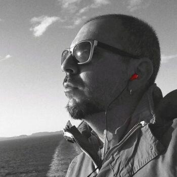 Voris-Karagiannis-headshot